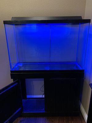 24X36 fish tank 50 gallon for Sale in Hemet, CA