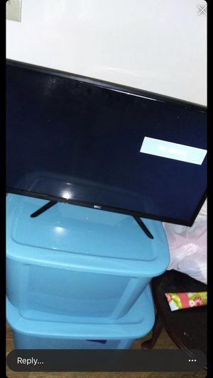 """32""""inch flatscreen tv for Sale in Cleveland, OH"""