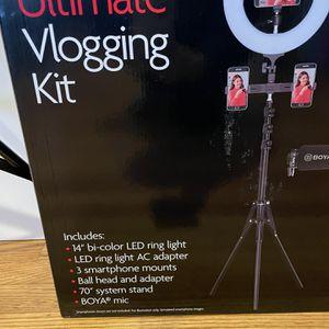 Sunpak Ultimate Vlogging Kit Ring Light for Sale in Concord, CA