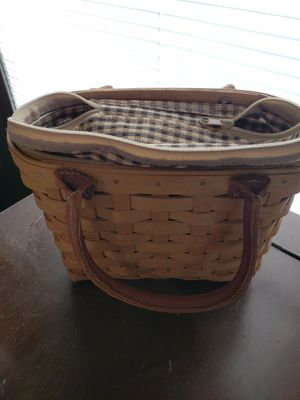 Longaberger 2004 Small picnic basket for Sale in Jeannette, PA