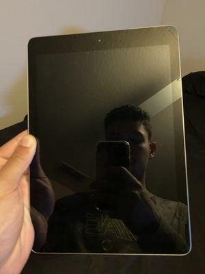 iPad 6th Gen 32 GB Silver for Sale in Orlando, FL
