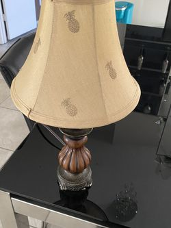 Lamp Table for Sale in Davenport,  FL