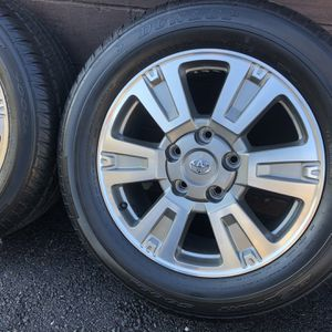 Toyota Tundra Oem wheels / Rims Brand New Tires for Sale in Seekonk, MA