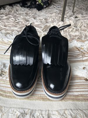 Zara platform shoes, barely used size 8 for Sale in Boston, MA