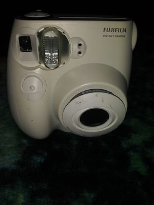 Fujifilm instamax mini 7s for Sale in Savannah, GA