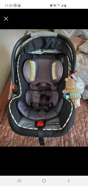 graco car seat for Sale in Aurora, IL