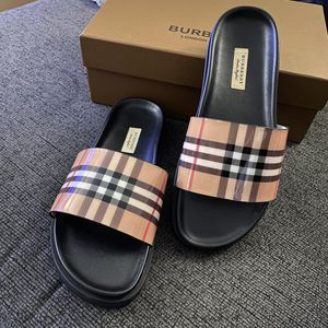 Burberry slides Men Size 8.5 for Sale in Brooklyn, NY