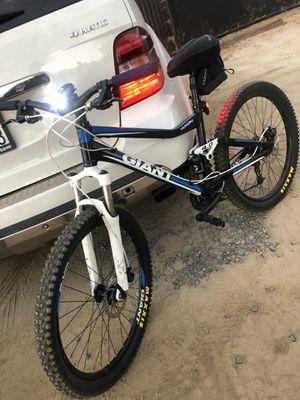 GIANT Yukon 4.0 Full Suspension Mountain Bike for Sale in San Diego, CA