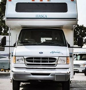 sleeps up to 6 comfortably ac 2000 Itasca Spirit 29N for Sale in Indianapolis, IN