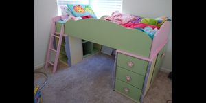 Bedroom set Ashley furniture for Sale in Vacaville, CA