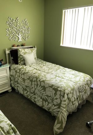 New 2 Serta Perfect Sleeper twin beds. Head Board and bed frame and comforters and sheets . Very comfortable comes complete for Sale in Stuart, FL