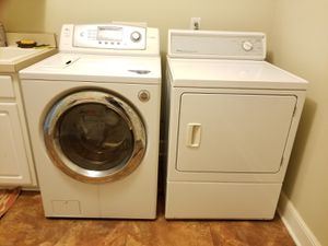 Steam Washer and Gas Dryer for Sale in Chagrin Falls, OH