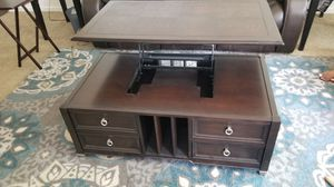 Lift Top Coffee Table for Sale in Chandler, AZ