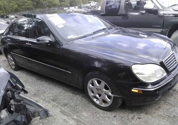 Mercedes S500. For parts only