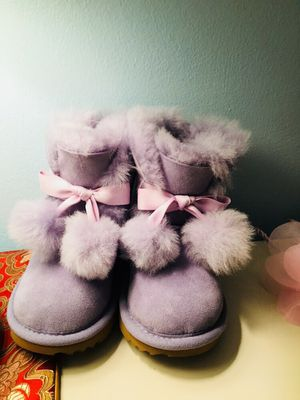 UGG girls size 8 purple furry boots for Sale in Saint Paul, MN