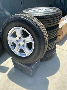 2019 Jeep wheels and tires rims like new for Sale in La Mesa, CA