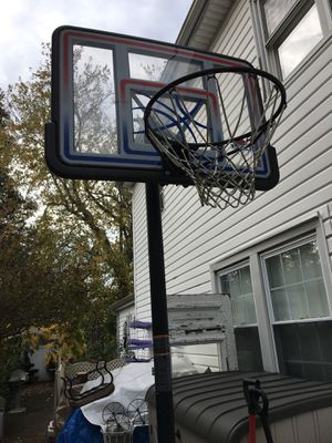 Lifetime outdoor basketball hoop for Sale in North Massapequa, NY