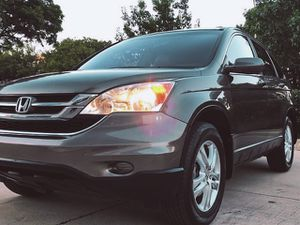 WELL MAINTAINED HONDA CRV SIDE AIR BAGS BLUETOOTH STEREO SYSTEM for Sale in Grand Prairie, TX