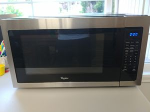 Whirlpool 2.2 Cu. Ft. Microwave for Sale in Woodinville, WA