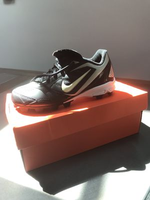 3.5 youth baseball cleat for Sale in Silver Spring, MD