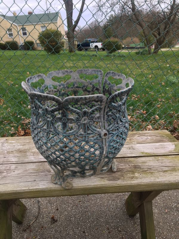 Victorian Style Flower Pot Holder Metal For Sale In