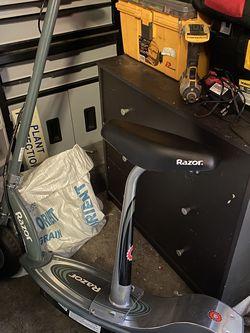Razor Electric Scooter for Sale in Mount Hamilton,  CA