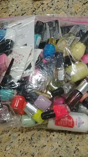 Nailpolish- Gallon size bag full for Sale in Lakeside, AZ