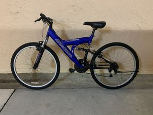BICYCLE FREE SPIRIT 21 SPEED EXCELLENT CONDITION for Sale in Miami, FL