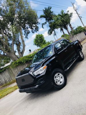 2017 Toyota Tacoma for Sale in Pembroke Pines, FL