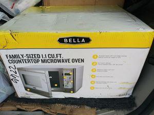Microondas nuevo tamsno familiar acero inoxidable solo 90 es un regalo vale mucho más for Sale in Miami, FL