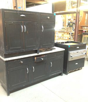 Kitchen Island Cabinet with Prep Sink and Viking warming oven for Sale in Chicago, IL