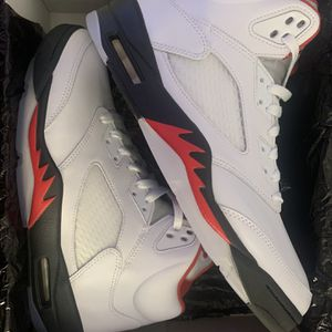 Jordan 5s Retro Fire Red for Sale in Manchester, CT