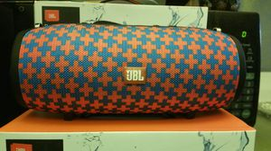 JBL CHARGER 4...NOT ORIGINAL...USB SD AUX BLUETOOTH RADIO RECARGABLE WATER RESISTANT 10H for Sale in Anaheim, CA