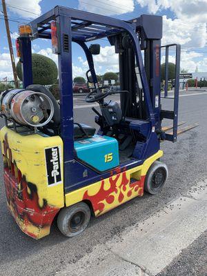 Komatsu Forklift 3000lb for Sale in Glendale, AZ