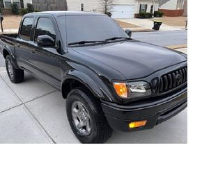 For sale URGENTLY 2OO4 Toyota Tacoma SR5One Owner RWDWheelsss for Sale in Baltimore, MD