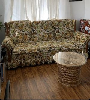 Vintage floral 70s couch for Sale in Arvada, CO