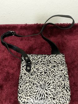 TRICIA NASH SUNFLOWER TOOLING COLLECTION STIPES ZIPTOP CROSSBODY-$189 for Sale in Houston,  TX