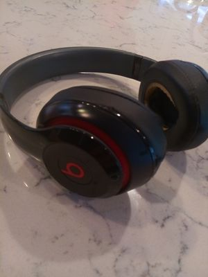 Beats studio 2 wired make offer for Sale in Tampa, FL