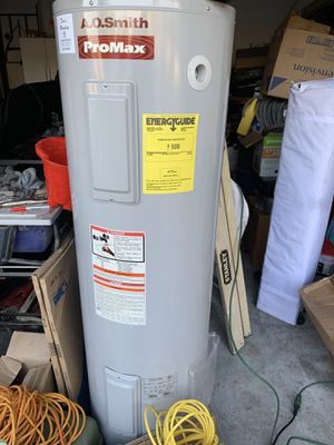 Water heater on good condition 40 gallons for Sale in Orlando, FL