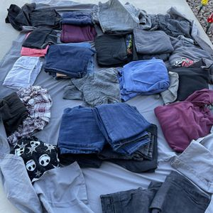Clothes For Free - Need To Pick Up for Sale in San Tan Valley, AZ