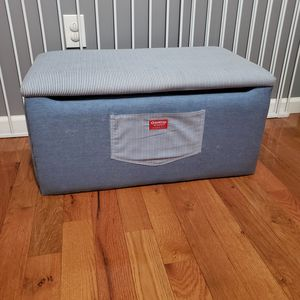 Oshkosh toy box padded bench for Sale in Roselle, NJ