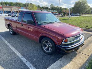 02 Chevy s-10 for Sale in Fredericksburg, VA