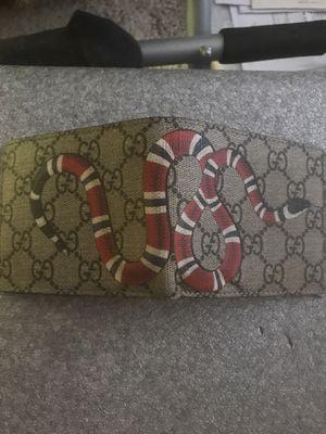 Gucci wallet for Sale in Scottsdale, AZ