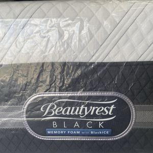 Beautyrest for Sale in Kissimmee, FL