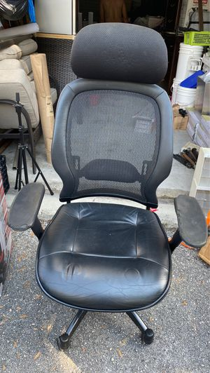 Chair office (FREE) for Sale in Tampa, FL