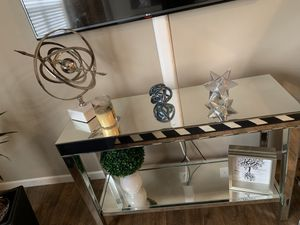 Mirrored console table for Sale in Dublin, OH