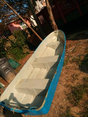 12 ft boat for Sale in Hyattsville, MD