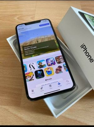 iPhone XS MAX for Sale in Baltimore, MD