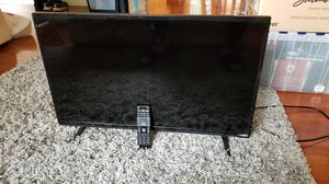 32 inch VIZIO Smart TV w/remote for Sale in Bothell, WA