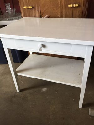 NICE WHITE TABLE for Sale in Scappoose, OR